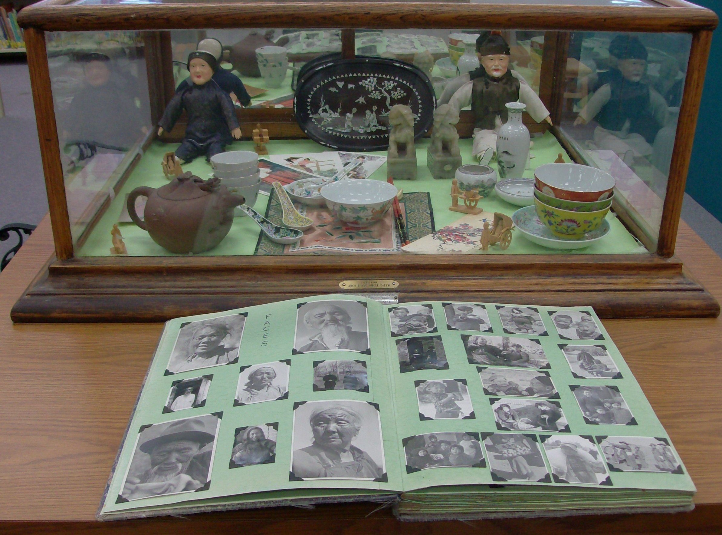 another close up of china collectables